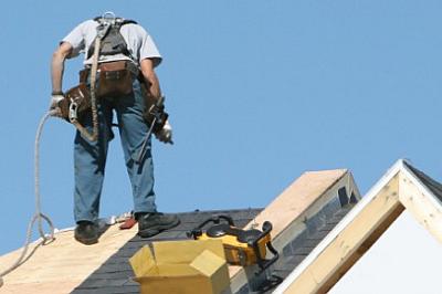 Arbeiter_auf_einem_Dach